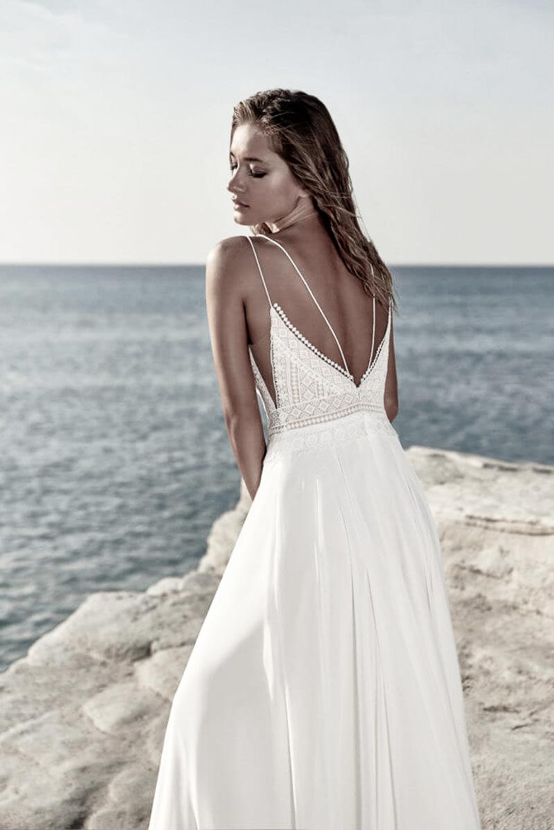 triangelförmiges Brautkleid
