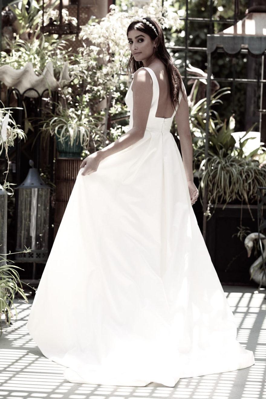 Brautkleid Frontschlitz