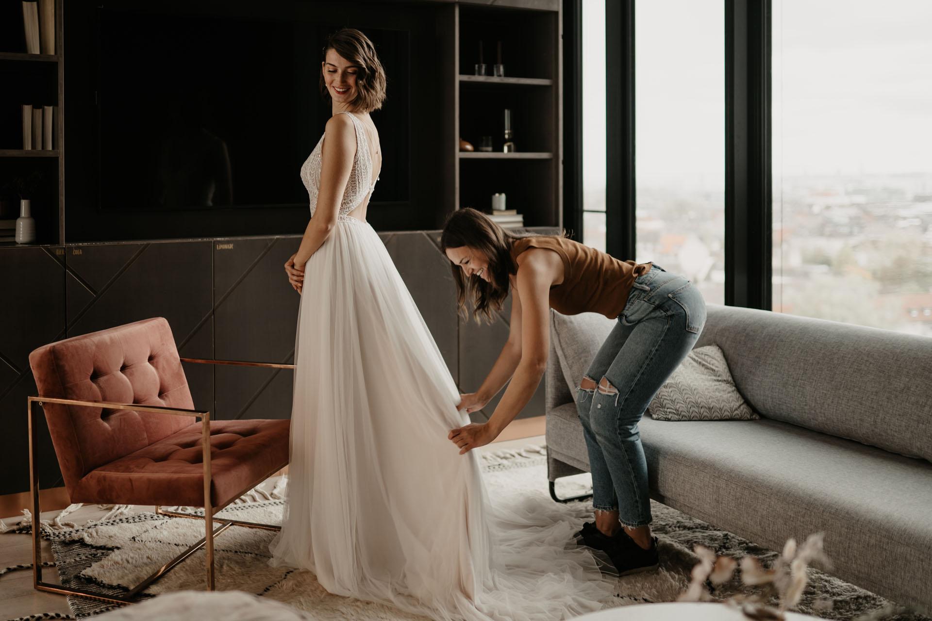 Virtuelle Brautkleidanprobe