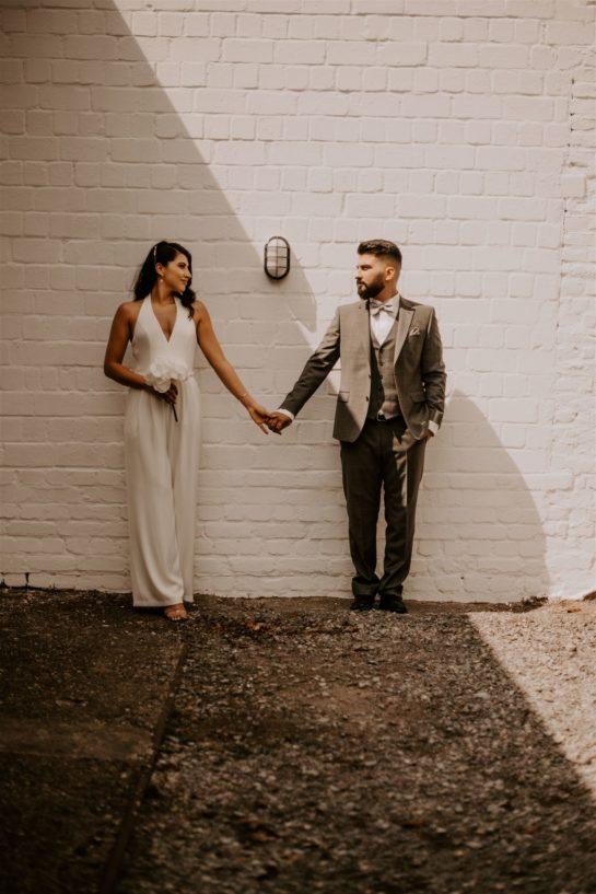 moderne Braut, Brautjumpsuit, Hose für Hochzeit, Standesamtoutfit, moderes Brautoutfit, schlichte Braut, coole Braut , lässiges Brautoutfit , engaged , Brautpaar ,