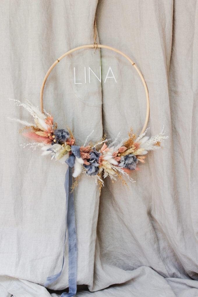 Blumenkranz mit Bambusring und Acrylschild