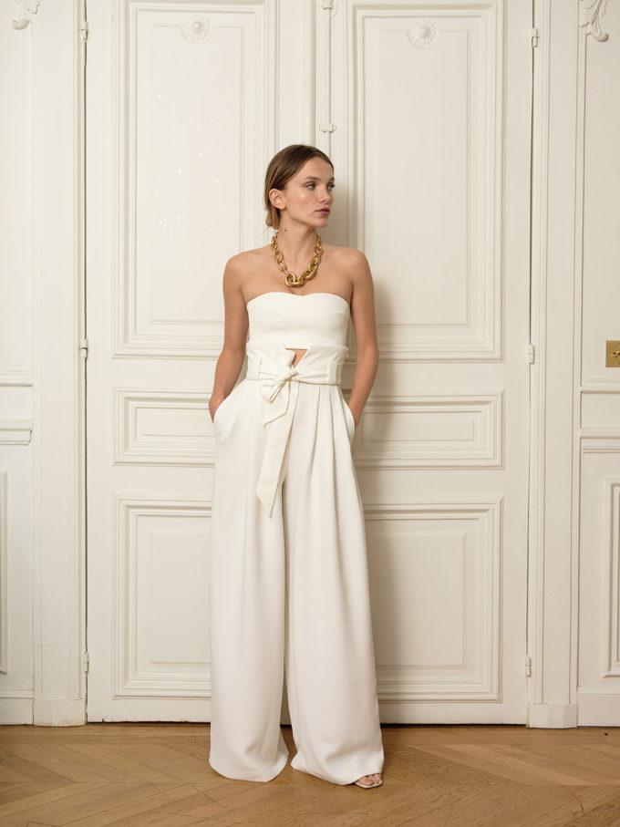 schlichte Brauthose für eine sehr modern gekleidete Braut